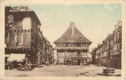"""CPA FRANCE 46 """" Saint Céré, place de l'hôtel de ville """""""