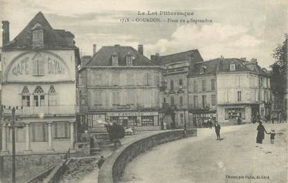 "CPA FRANCE 46 "" Gourdon, place du 4 septembre """