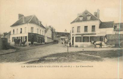 "CPA FRANCE 78 ""La Queue Les Yvelines, le carrefour """