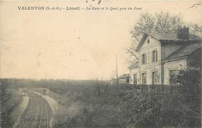 """CPA FRANCE 94 """"Valenton, Limeil, la gare et le quai pris du pont"""""""