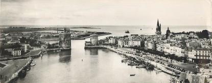 """CPSM PANORAMIQUE FRANCE 17 """"La Rochelle, vue générale du port"""""""