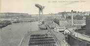 """29 Finistere CPA PANORAMIQUE 29 """"Brest, la grue Electrique et le port militaire"""""""