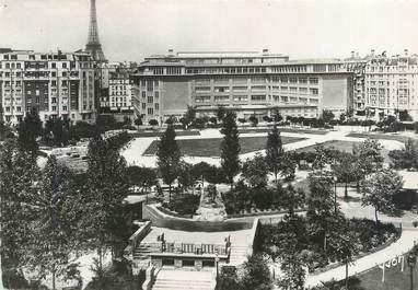 """CPSM FRANCE 75015 """"Paris, square Saint Lambert et Lycée Camille Sée"""""""
