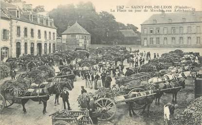 """CPA FRANCE 29 """"Saint Pol de Léon, la place un jour de marché"""""""