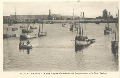 """CPA FRANCE 29 """"Camaret, le port, l'église Notre Dame de Roc Amadour"""""""
