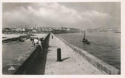 """CPSM FRANCE 29 """"Audierne, entrée du port"""""""