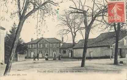 """CPA FRANCE 32 """"Tillac, l'hôtel de ville et la place"""""""