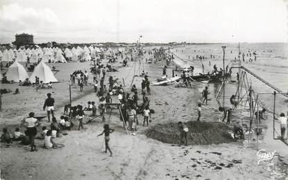 """CPSM FRANCE 85 """"Saint Jean de Monts, vue d'ensemble de la plage"""""""