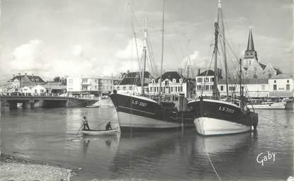 """CPSM FRANCE 85 """"Saint Gilles sur Vie, le port"""" / BATEAU"""