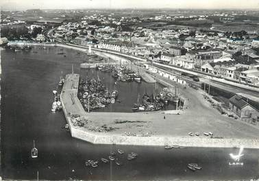"""CPSM FRANCE 85 """"Saint Gilles sur Vie, le port """""""