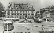 """55 Meuse CPSM FRANCE 55 """"Bar Le Duc, place Reggio et la préfecture"""" / BUS"""
