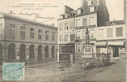 """CPA FRANCE 14 """"Condé sur Noireau, les Halles et la statue de Dumont d'Urville"""""""