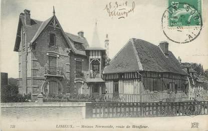 """CPA FRANCE 14 """"Lisieux, maison normande, route de Honfleur"""""""