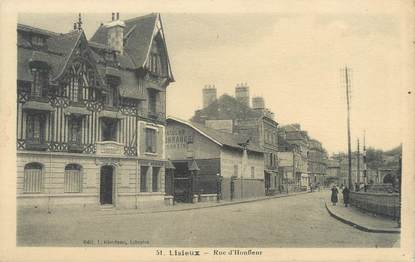"""CPA FRANCE 14 """"Lisieux, rue d'Honfleur"""""""