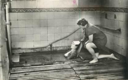 """CPSM FRANCE 40 """"Dax, les Baignots, un bain de boue"""" / THERMALISME"""