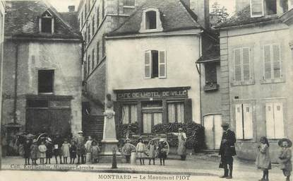 """CPA FRANCE 21 """"Montbard, le monument Piot"""""""