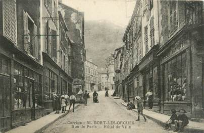 "CPA FRANCE 19 ""Bort Les Orgues, rue de Paris"""