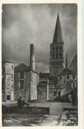 """CPSM FRANCE 58 """"La Charité sur Loire, le cour du Prieuré"""""""