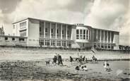 "14 Calvado CPSM FRANCE 14 ""Luc sur Mer, le casino vu de la plage"""