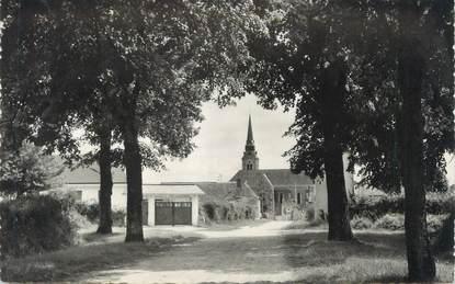 """CPSM FRANCE 72 """"Precigné, l'église vue de la route du château"""""""