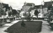 """72 Sarthe CPSM FRANCE 72 """"Mamers, le jardin et la place de la République"""""""