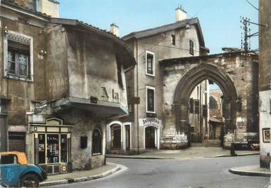 "CPSM FRANCE 01 ""Bourg, vieille maison"""