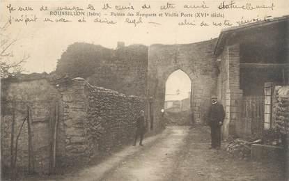 """CPA FRANCE 38 """"Roussillon, ruines des remparts et vieille porte"""""""