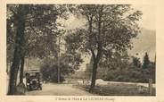 """73 Savoie CPA FRANCE 73 """"La Léchère, l'avenue de l'Isère"""" / AUTOMOBILE"""
