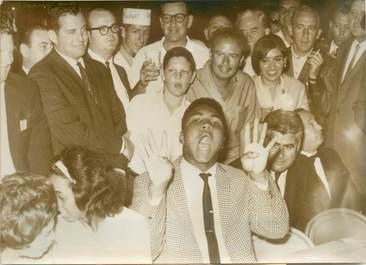 "PHOTO DE PRESSE / THEME SPORT ""Boxe, Mohammed ALI (Cassius Clay)"""