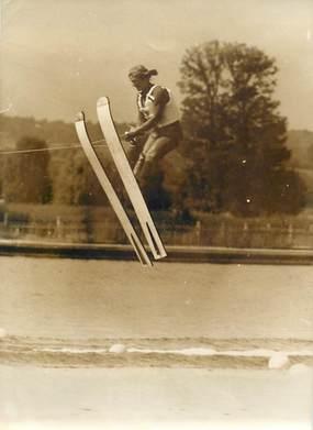 """PHOTO DE PRESSE / THEME SPORT """"Ski Nautique, HANSLUWKA championne du monde de saut à Vichy (03) """""""