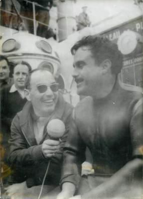 """PHOTO DE PRESSE / THEME SPORT """"Plongée, Villefranche sur Mer (06), 1963, Pierre GRAVES"""""""