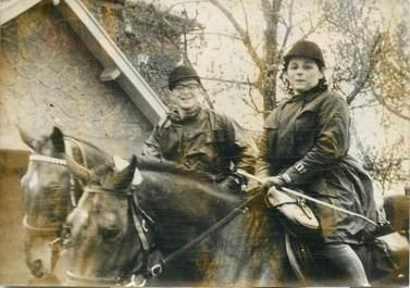 """PHOTO ORIGINALE / PHOTO DE PRESSE / FRANCE 85 """"Voyage de Noce à cheval à l'Aiguillon"""""""
