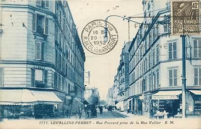 """CPA FRANCE 92 """"Levallois Perret, rue Poccard prise de la rue Vallier"""""""