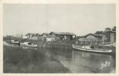 """CPSM FRANCE 33 """"La Hume, cabanes de pêcheurs"""""""