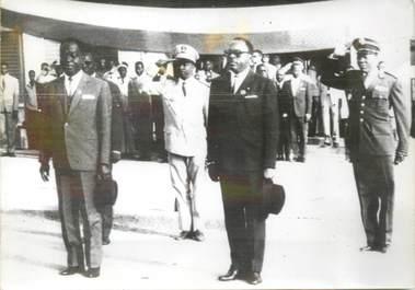 """PHOTO DE PRESSE ORIGINALE / Réunion des 12 états membres de l'Union Africaine, Président de la Côte d'Ivoire et le Président de la Haute Volta"""""""