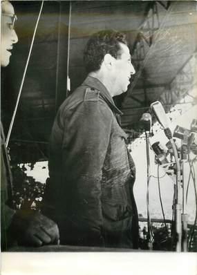"""PHOTO DE PRESSE ORIGINALE / ALGERIE """"1 er novembre 1963, Fête de l'anniversaire de la Révolution algérienne, avec le Psdt BEN BELLA"""""""