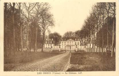 """CPA FRANCE 86 """"Les ormes, le château """""""