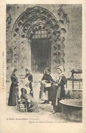 """CPA FRANCE 86 """"L'Isle Jourdain, église de Saint Paixent et costumes"""""""
