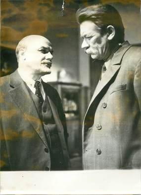 "PHOTO ORIGINALE DE PRESSE / CINEMA / RUSSIE ""Scène de film retraçant la rencontre de Lénine et de m. Gorki"""