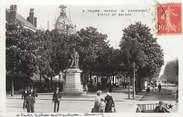 """37 Indre Et Loire CPA FRANCE 37 """"Tours, avenue de Grammont, statue de Balzac"""""""