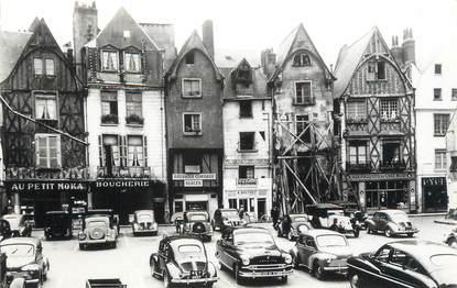 """CPSM FRANCE 37 """"Tours, place Plumereau"""""""