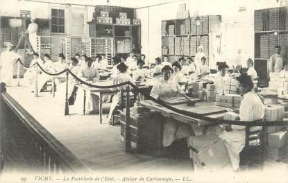 """CPA FRANCE 03 """"Vichy, la pastillerie de l'état, atelier de cartonnage"""""""