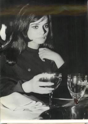 """PHOTO DE PRESSE / PHOTO ORIGINALE """"Marisa SOLINAS dans le rôle d'Edith PIAF dans un film retraçant sa vie"""""""