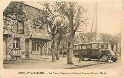 """CPA FRANCE 93 """"Gournay sur Marne, la poste et l'autobus du service Champs Gournay Chelles"""" / BUS"""