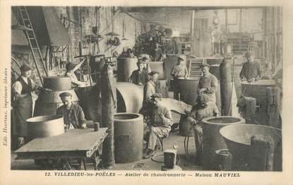 """CPA FRANCE 50 """"Villedieu les Poëles, atelier de chaudronnerie"""""""