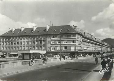 """CPSM FRANCE 88 """"Saint Dié, le quai Delattre et le pont"""""""