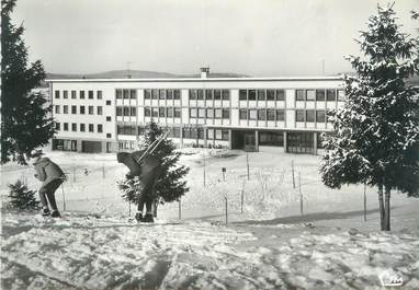 """CPSM FRANCE 39 """"Saint Laurent du Jura, colonie école de Neige René Vignaud"""""""