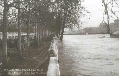 """CPA FRANCE 75 """"Paris Inondation 1910, le barrage quai des tuileries"""" / Ed. ELECTROPHOT"""