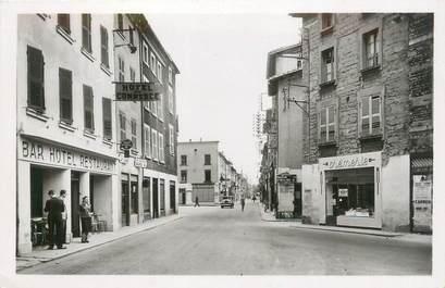 """CPSM FRANCE 38 """"Le Péage du Roussillon, rue Grande et place de la Halle"""""""