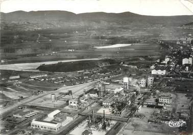 """CPSM FRANCE 38 """"Le Péage du Roussillon, vue panoramique aérienne sur les usines Rhône Poulenc"""""""